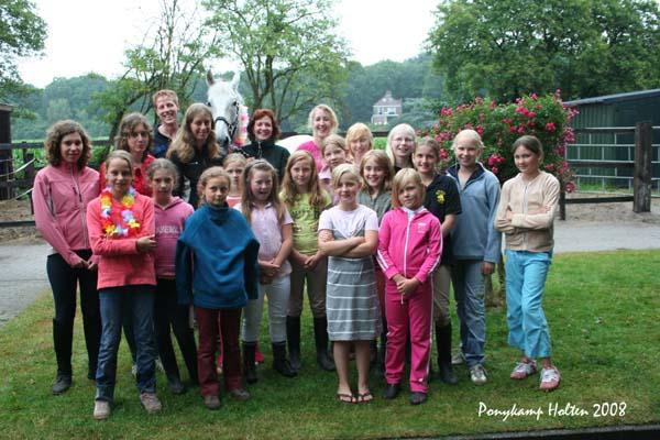 Klik op de foto voor de andere foto's van dit ponykamp